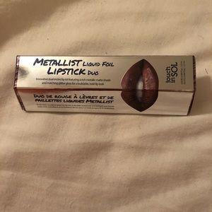 Touch in Sol Metallic Liquid Lipstick